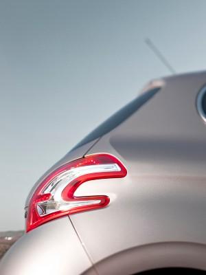 Peugeot 208, detalle faro trasero