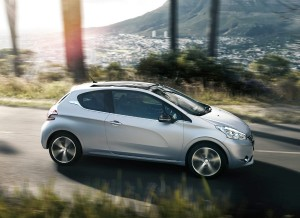 Peugeot 208, lateral