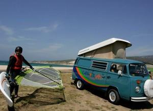 Al alquilar una Camper podrás optar a interesantes descuentos en clases de Kite Surf.