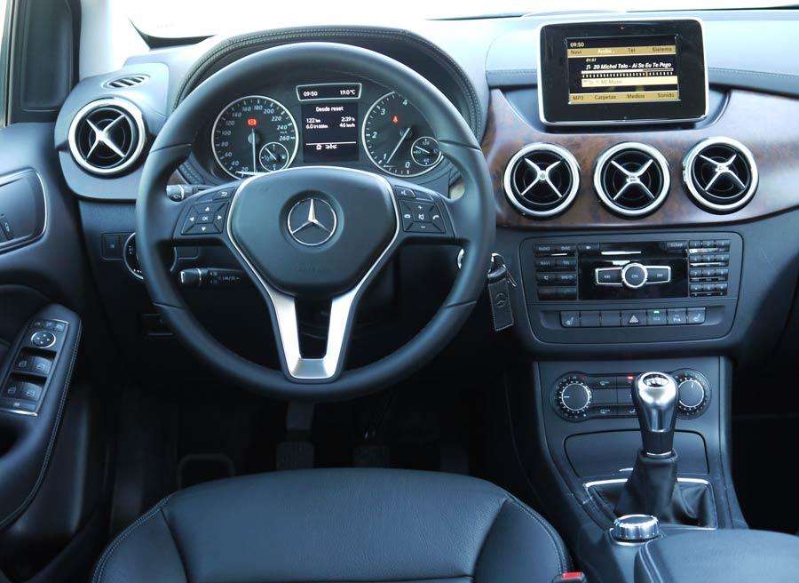 Mercedes b200 cdi blueefficiency la prueba for Interior mercedes clase a
