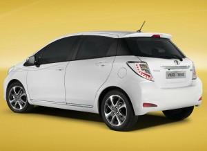 Un nuevo spoiler trasero es una de las novedades del Toyota Yaris Trend.