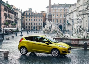 Ford Fiesta, lateral