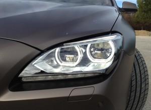 La iluminación que ofrecen las ópticas del Serie 6 Gran Coupé es sobresaliente.
