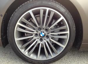 Detalle de la llanta del BMW Serie 6 Gran Coupe.