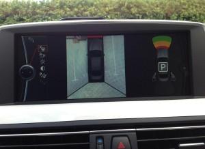 La cámara panorámica de ayuda al aparcamiento puede resultar algo liosa al principio.