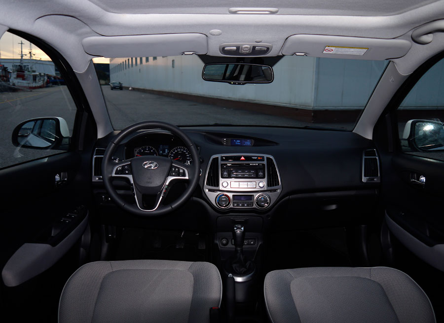 I20 interior images for Interior hyundai i20