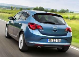 El precio de partida del Opel Astra 5 puertas con el nuevo motor es de 19.500 euros.