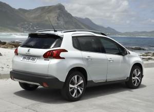 El Peugeot 2008 cuenta con el mismo diseño atractivo y deportivo que el 208.