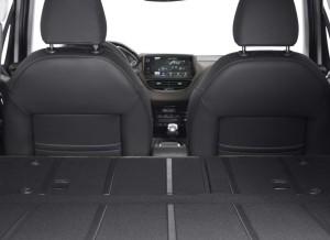 Los asientos traseros del nuevo Peugeot 2008 son totalmente abatibles.