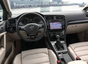 El interior del Volkswagen Golf Variant no difiere mucho del de la versión convencional.