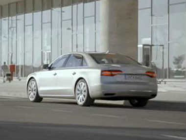 El nuevo Audi A8 2014, en movimiento