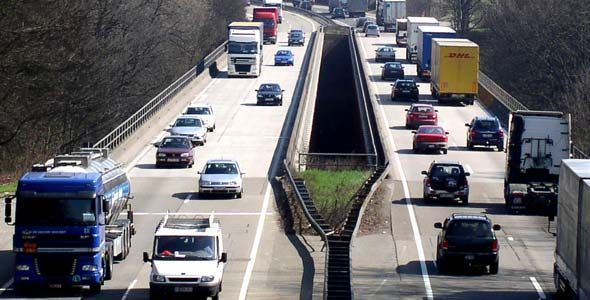 Los coches más contaminantes podrían pagar más en el impuesto de circulación