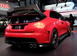 La zaga del Honda Civic Type R Concept es probablemente lo más espectacular de este prototipo.
