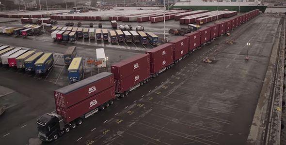El Volvo FH16 se enfrenta a un espectacular reto: arrastrar 325 toneladas