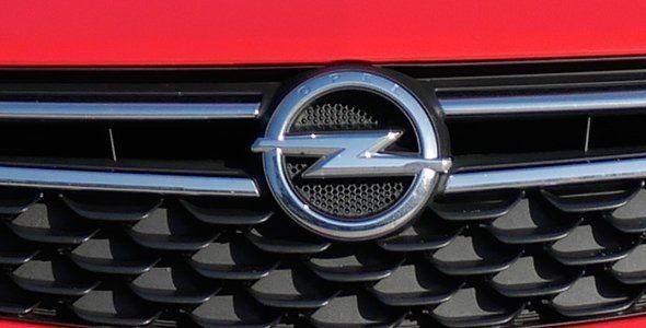 Opel niega las acusaciones sobre el fraude en sus emisiones