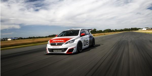 ¿Sabes cuál es la recta más larga de Europa? El Peugeot 308 Racing Cup, sí