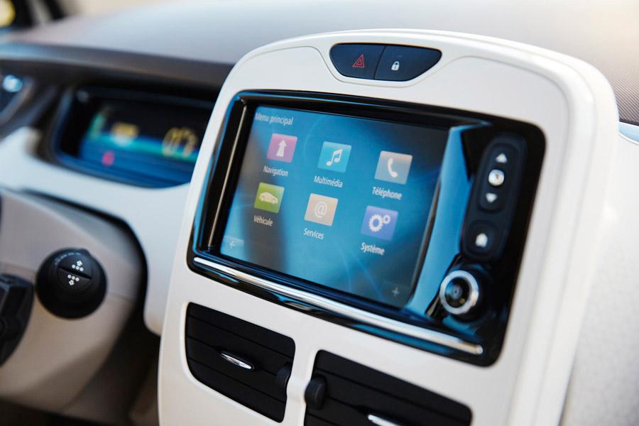 Consola central en el Renault Zoe Bose.